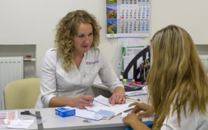 gallery_clinic_receiving_a_surrogate_mother